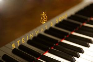 Дніпропетровська філармонія отримала новенький великий концертний рояль Steinway D-274 (відеорепортаж)
